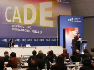 Segunda Jornada CADE 2013 debaten sobre la minería y su compromiso con país en el futuro