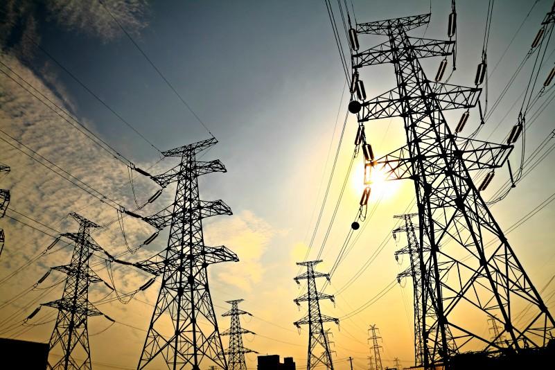 Perú y Chile buscarán consolidar interconexión eléctrica