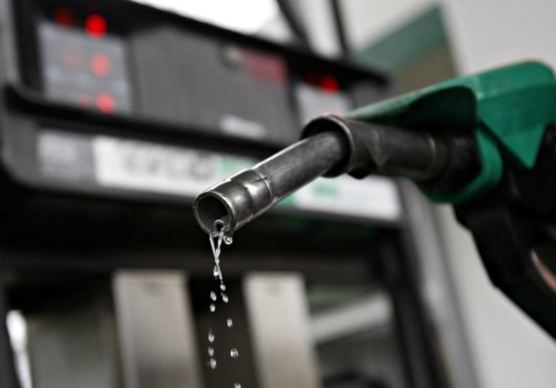 Precio de combustible baja S/. 0.20 por galón en Repsol y Petroperú