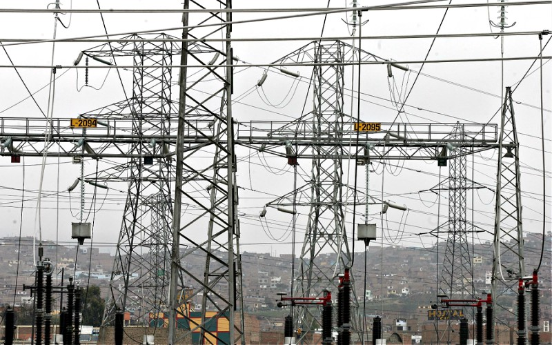 Osinergmin refuerza 43 por ciento de los sistemas eléctricos para reducir la frecuencia e interrupciones
