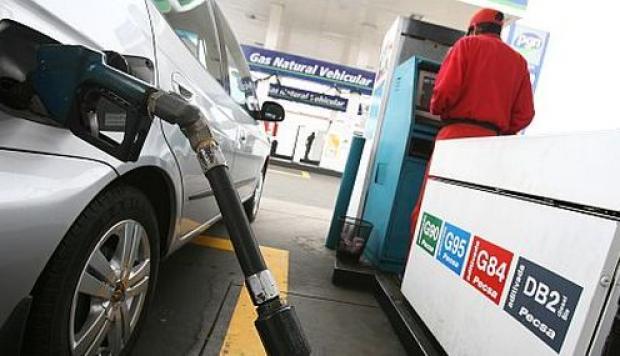 Opecu: Precios de combustibles de referencia internacional bajan hasta en 1.86% por galón