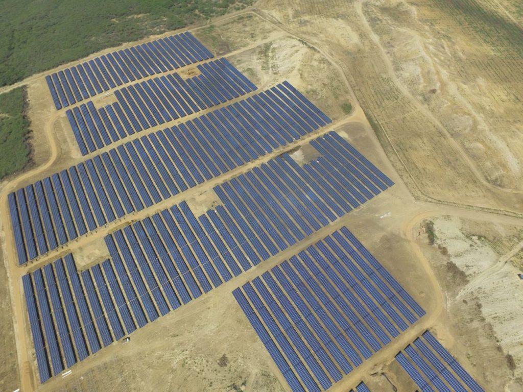 Subsidiaria española edificará un extenso parque solar de 300 Mw en Arequipa