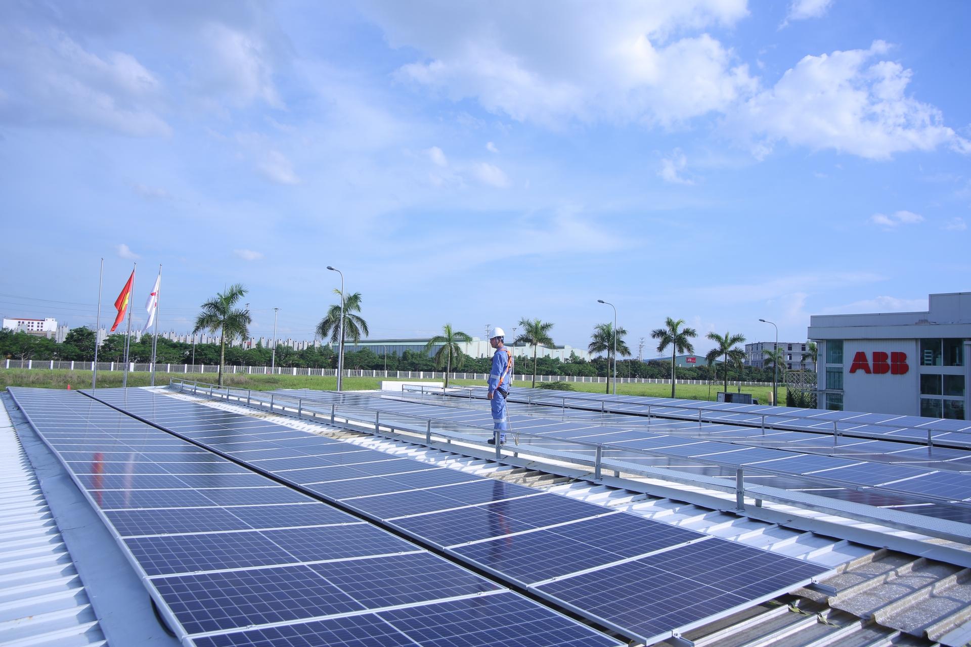 ABB: Vende su negocio de inversores solares a la italiana FIMER