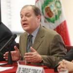 Presidente del Osiptel, Guillermo Thornberry; y ministro de Transportes y Comunicaciones