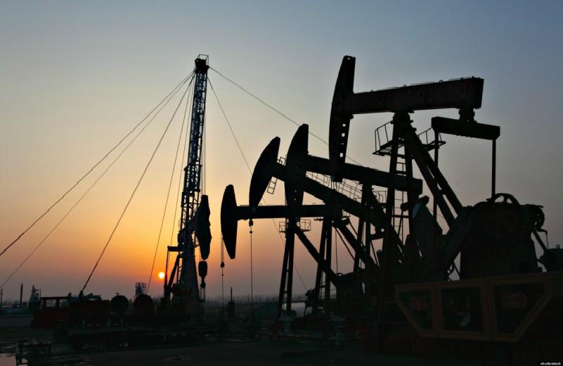 Caìda de petroleo termina , y vuelve a US$ 100 el barril