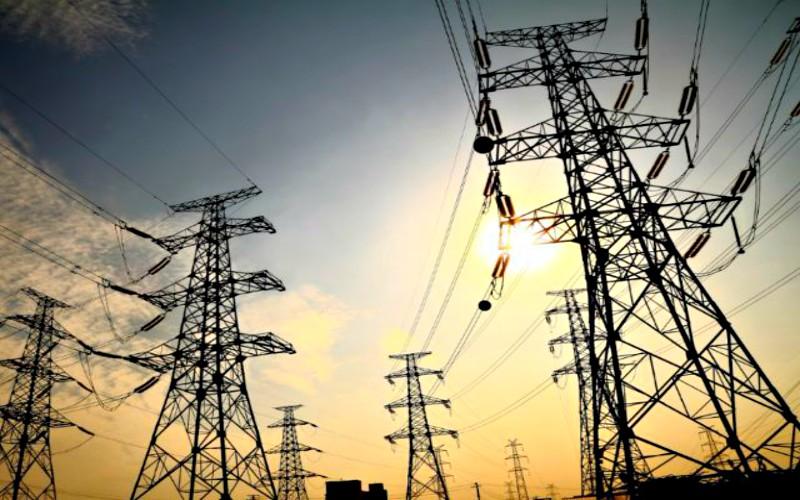 Ministerio de Energía y Minas continúa analizando medidas respectivas para que el precio de energía eléctrica no suba