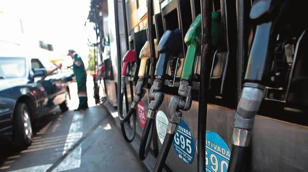 Bajaron hasta 4.19% por galón, los precios de combustibles de referencia internacional