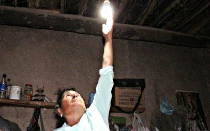 MEM: Promueve proyecto de electricidad a los pueblos más alejados del país
