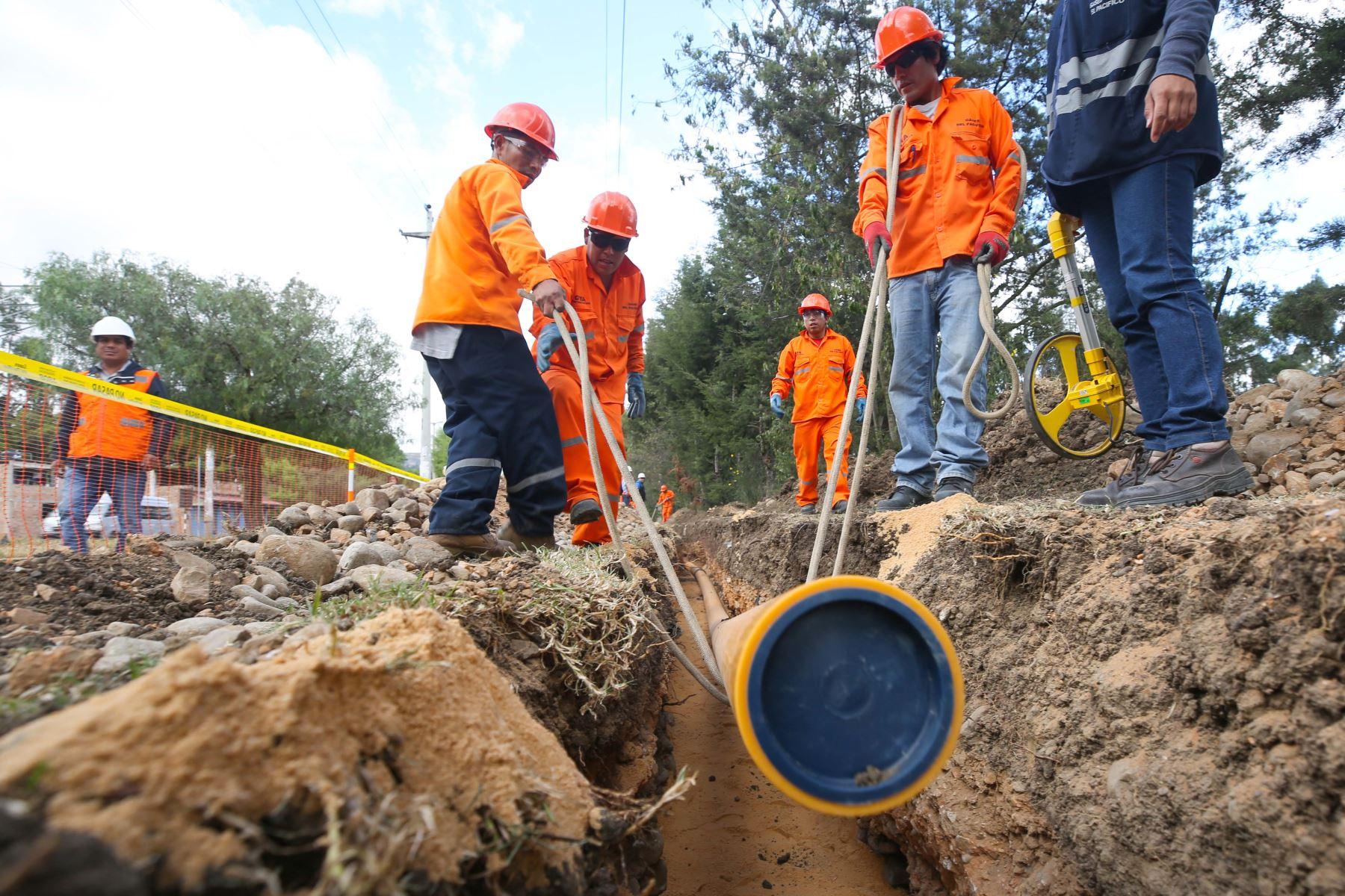 La Empresa Gases del Norte: Firma contrato de masificación de gas para Piura